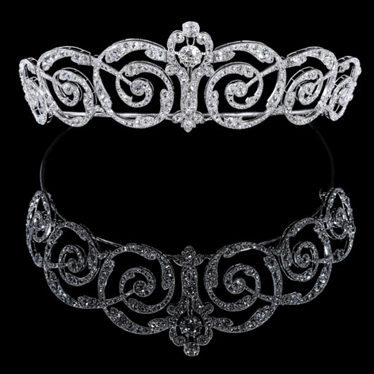 Platinum and diamond tiara. 1900s.