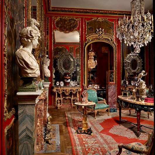 View of the Salon des Laques in our gallery located rue Royale decorated with Chinese lacquer boiseries from the hôtel de Boisgelin, rue Masseran, Paris.